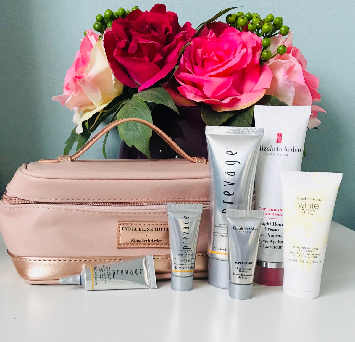 ELIZABETH ARDEN/LYDIAMILLEN BEAUTY BAG ….